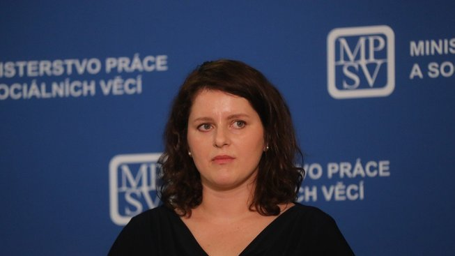 Ministryně práce Jana Maláčová uvedla, že i v jejím resortu skončí někteří odborní náměstci.