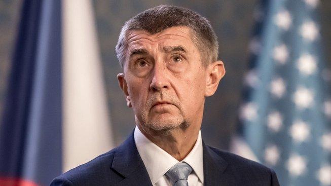 Premiér Andrej Babiš by prý měl podle Senátu rezignovat
