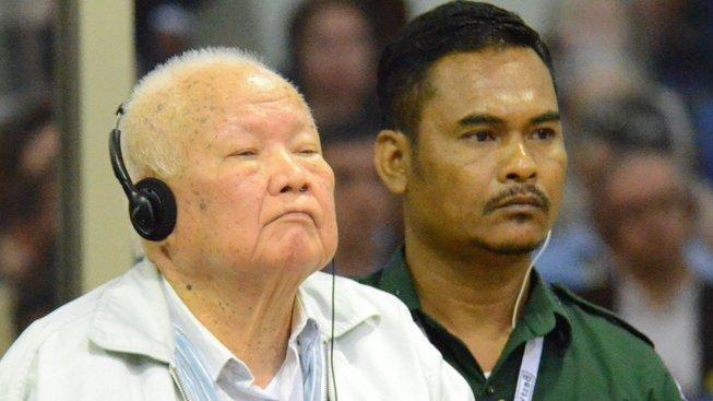 Bývalý premiér Khieu Samphan u soudu.