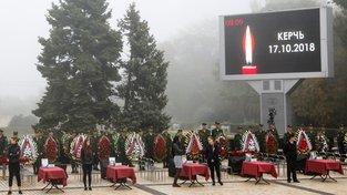 Pohřeb obětí střelby v technickém učilišti v Kerči