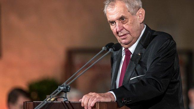 Prezident Miloš Zeman je pro posílení mise v Afghánistánu.