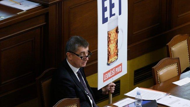 Seznamte se: Andrej Babiš, obchodní cestující s EET a levným pivem