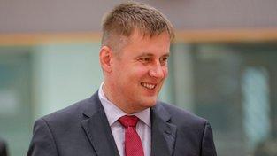 Ministr zahraničí Tomáš Petříček čelí kritice ze strany prezidenta i premiéra.