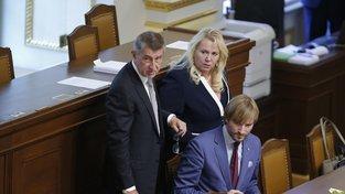 Ministryně Klára Dostálová podezření odmítá
