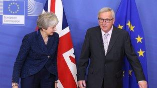 Juncker a Mayová letos v listopadu