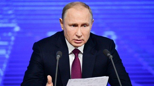 Vladimir Putin začal hodnocením ruské ekonomiky.