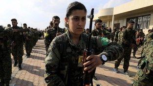Členové a členky kurdských milic
