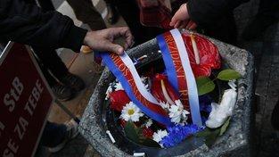 Květiny od Babiše a Zemana skončily 17. listopadu v koši