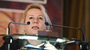 Ministryně Klára Dostálová podle ČT patří v případu mezi hlavní podezřelé