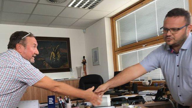 Šéf rozhlasových odborářů Jiří Hubička (vlevo) na jednání s GŘ René Zavoralem, září 2018