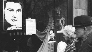 Pieta na Václavském náměstí, den před pohřbem Jana Palacha. Ten se konal 25. ledna