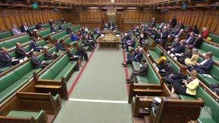 Červené lajny v britském parlamentu