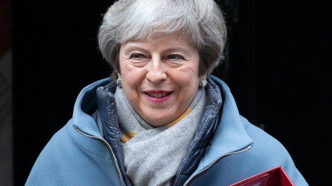 Theresa Mayová cestou do parlamentu