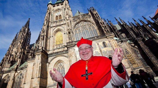 Pražský arcibiskup Dominik Duka se může smát. Nejspíš tuší, že ústavní soud zdanění restitucí zamítne