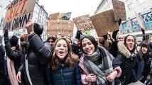 Děti vyšly do ulic, demonstrují za vlastní budoucnost