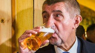 Andrej Babiš a malé točené pivo