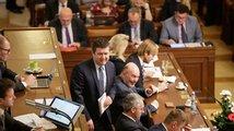 Poslanci se pohádali kvůli vyhošťování cizinců. Bouchalo se do lavic