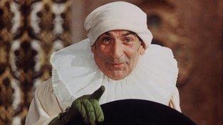 Vaše penízky jsou moje penízky. Louis de Funès jako don Salluste, ministr financí a zároveň nesmlouvavý výběrčí daní z filmu Pošetilosti mocných. Daně dokázal vytáhnout z každého. České vládě by se hodil