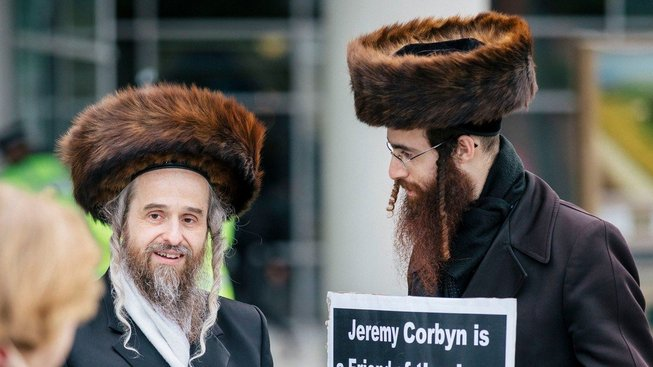 Britští Židé stále častěji žádají o německý pas