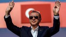 Darebák Erdogan hlásá Turecko začínající u Vídně, Čechům na dohled