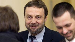 Vladimír Sáňka (uprostřed)