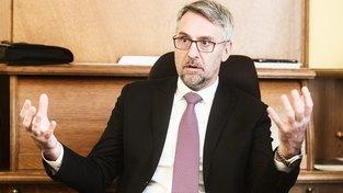 Ministr Lubomír Metnar prý nebyl spokojený se situací uvnitř Vojenské policie ČR
