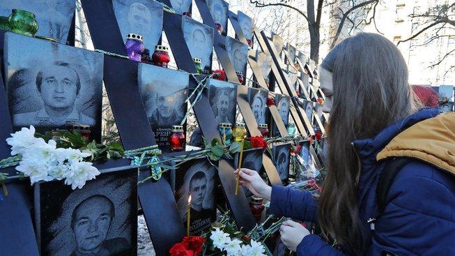 Mrtví a zranění byli hlášeni už před kritickými dny 18. až 20. února 2014