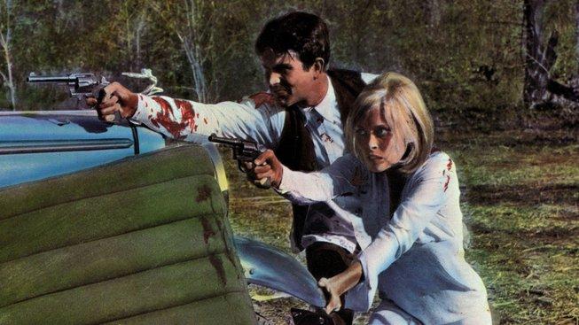 Legendární pár lupičů Bonnie (Faye Dunawayová) a Clyde (Warren Beatty) ve stejnojmenném filmu z roku 1967. Ti dva si na důchod nakradli dost. Jenže se ho nedožili. Jejich profese byla příliš riskantní