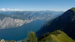 Plavba po jezeře Garda v Trentinu – nejkrásnější zážitky na vlnách