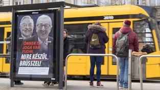 """""""I vy máte právo vědět, co na nás Brusel chystá,"""" hlásá maďarský předvolební plakát, házející Sorose a Junckera do jednoho pytle"""
