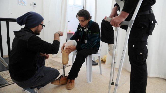 Boje v Sýrii připravily o končetiny téměř 90 tisíc lidí