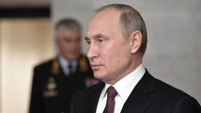 Ruský prezident podepsal dekret, který platnost smlouvy pozastavuje