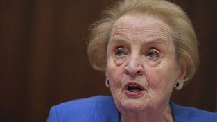 Madeleine Albrightová varovala před podkopáváním demokracie