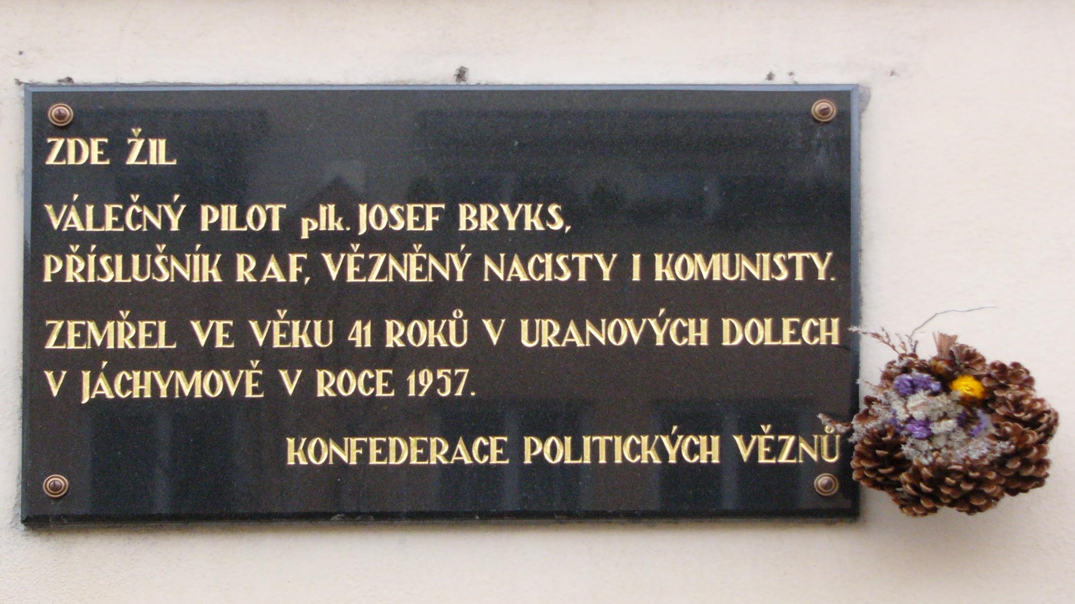 Vojenský pilot Josef Bryks