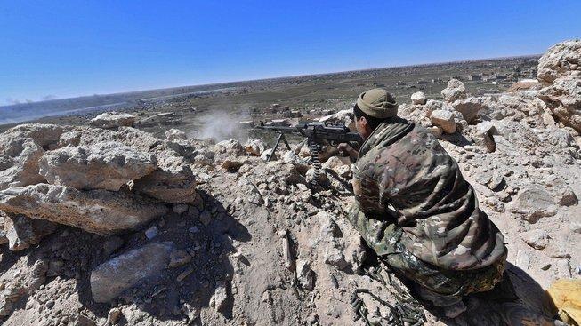 SDF během bojů  syrském Baghúzu