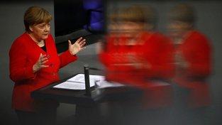 Angela Merkelová je pro podmíněný odklad