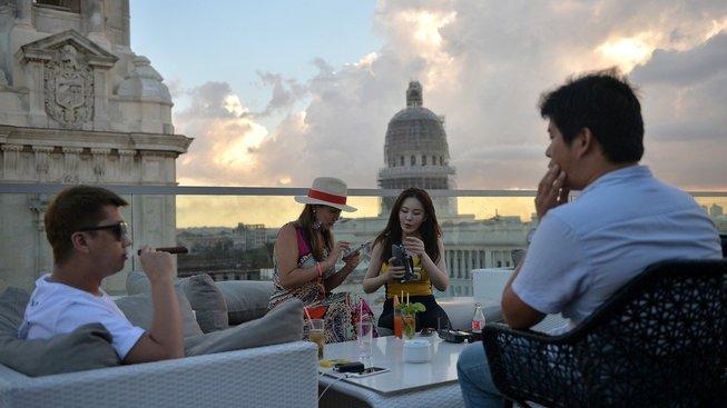 Kuba se snaží přilákat bohaté turisty, staví pro ně luxusní hotely