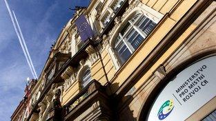 Kritiku schytalo i ministerstvo pro místní rozvoj
