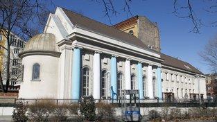 Synagoga stojí ve čtvrti Kreuzberg