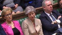 Británie potřetí odmítla brexitovou dohodu, hrozí neřízený odchod