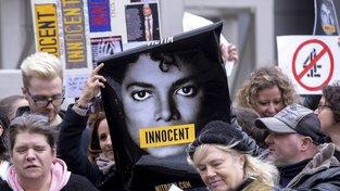 Fanoušci Michaela Jacksona bouřící se proti dokumentu Leaving Neverland
