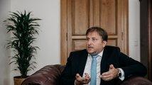 Ministr spravedlnosti Kněžínek končí, nahradí jej Benešová