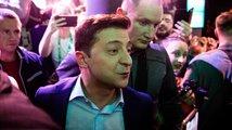 Prezidentské volby na Ukrajině drtivě vyhrál herec Zelenskyj
