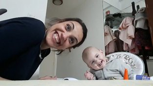 Video zachycující rozhovor matky Carity Padillové s jejím 15měsíčním dítětem na Facebooku vidělo 23 milionů lidí