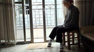 V Číně stále žijí ženy, které jako dívky musely svazování chodidel podstoupit