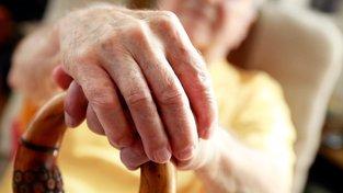 Od ledna zřejmě vzrostou důchody v průměru o 900 korun