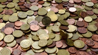 Hotovostní půjčky mají v nabídce jak banky, tak i nebankovní poskytovatelé