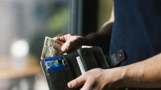Když peněženka před výplatou zívá prázdnotou, pomůže rychlá půjčka