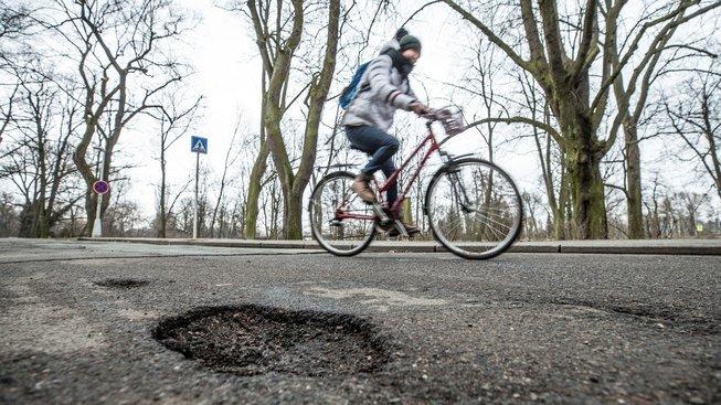 Stav českých silnic je dle projektu alarmující