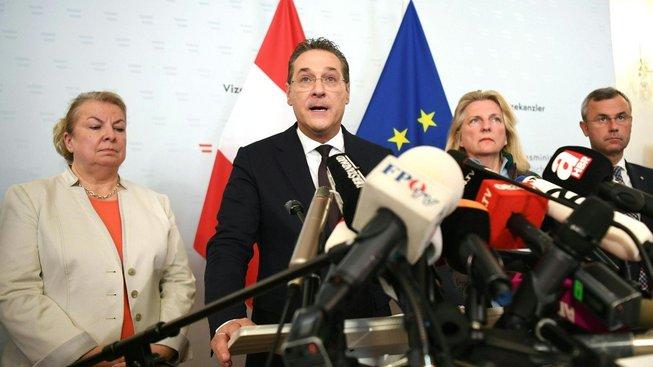 Heinz-Christian Strache rezignoval na post vicekancléře i šéfa FPÖ